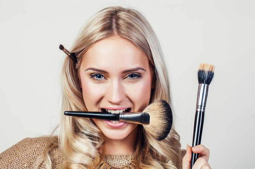 アートメイク施術後の化粧はいつからできるの?