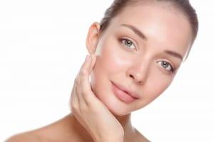 肌に有効成分を浸透させるエレクトロポレーションとイオン導入の主な違い