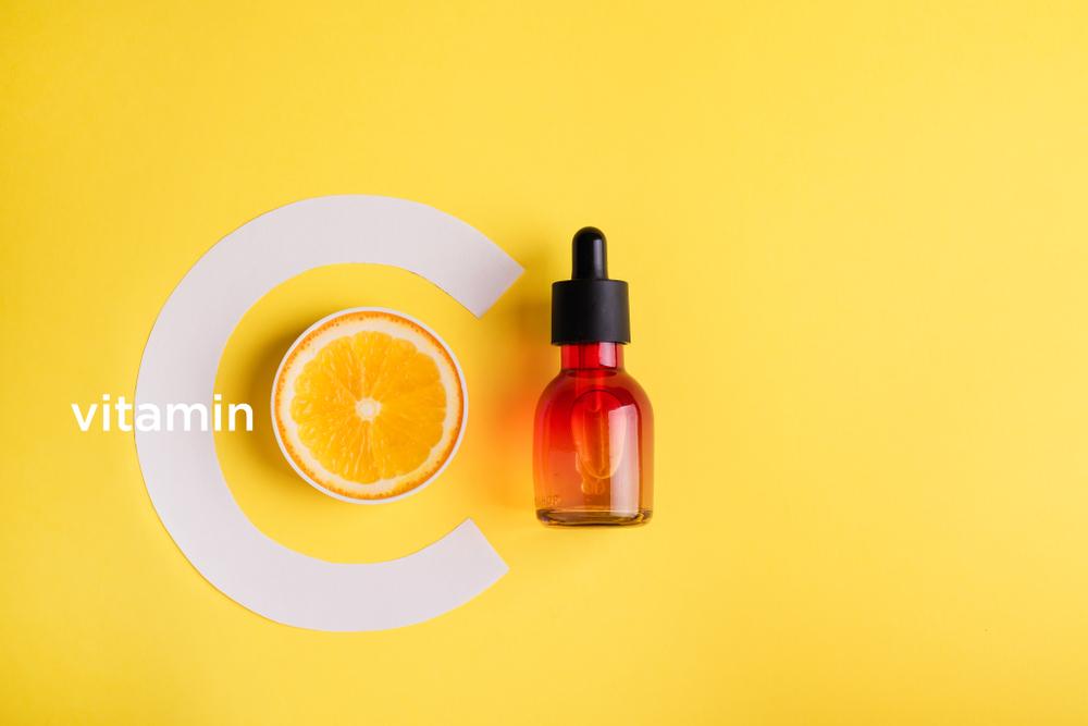 ビタミンCの働きとは?肌に良い理由とおすすめのスキンケア