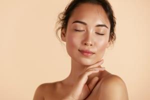 肌のターンオーバーを促進して周期を整える(正常化)する方法とは